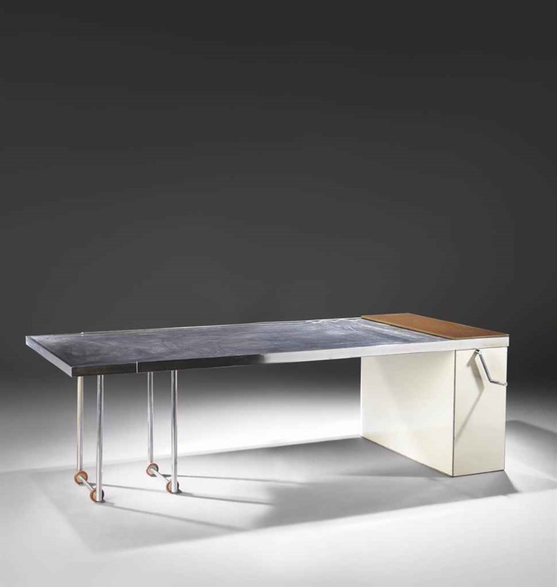 Charlotte Perriand (1903-1999), Table extensible de luxe, 1930. Sold for €397,000, 29-31 March 2011 at Christie's in Paris. Artwork © ADAGP, Paris and DACS, London 2020