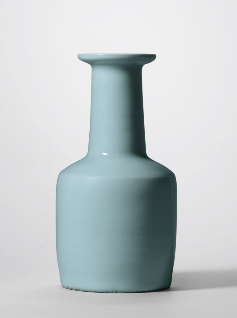 An important and very rare Longquan celadon mallet-shaped 'kinuta' vase, Southern Song dynasty (1127–1279). 9⅛ in (23.4  cm) high. Sold for HK$42,850,000 on 26 November 2018 at Christie's in Hong Kong