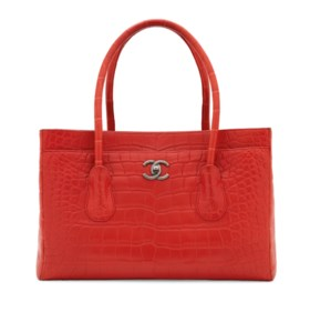A MATTE RED ALLIGATOR LARGE CERF TOTE WITH GUNMETAL HARDWARE