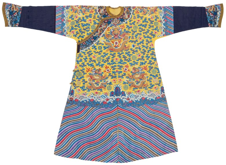 An imperial yellow kesi twelve symbol dragon robe, longpao, Guangxu period (1875-1908). 56 in (142.2 cm) long, 85¾ in (217.8 cm) wide. Sold for $125,000on 22 March 2019 at Christie's in New York
