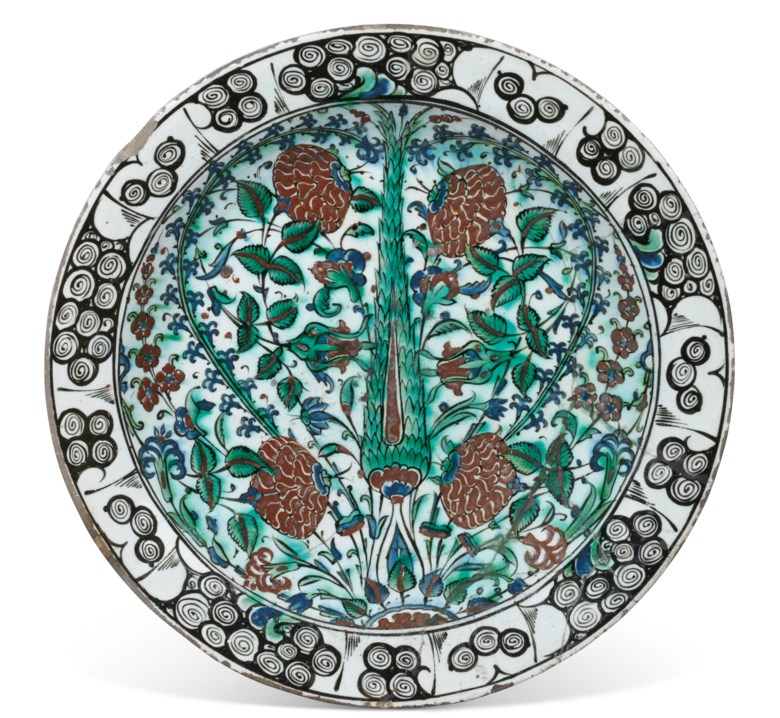 An Iznik pottery dish, Ottoman Turkey, circa 1600. 16¼ in (41.5 cm) diam. Estimate £3,000-5,000. Offered in Chieveley House, Berkshire and Five Private Collections on 19 March 2020 at Christie's in London