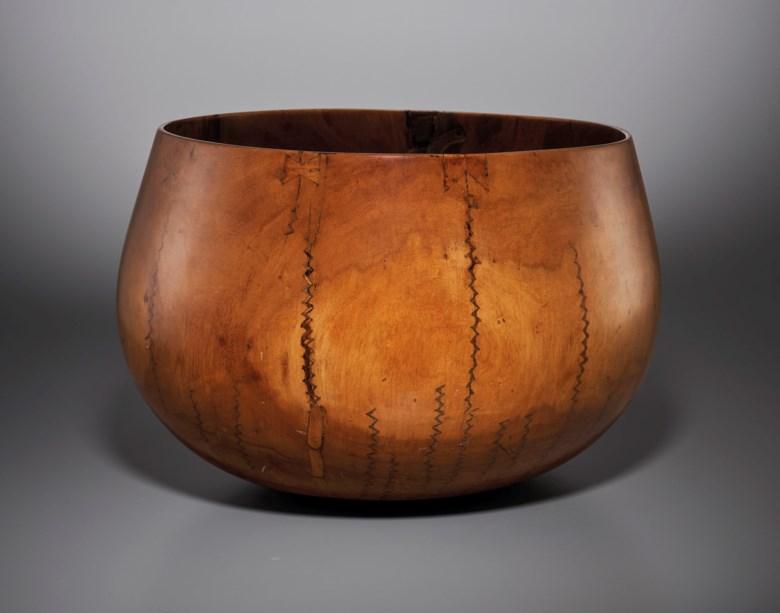Hawaiian bowl, Hawaiian Islands archipelago. Diameter14¼ in (36 cm). Estimate €15,000-25,000. Offered in African, Oceanic and North American Arton 2 June 2020 at Christie's in Paris