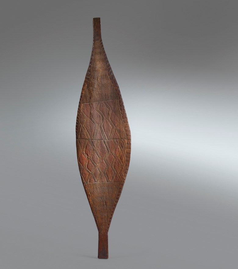 Bouclier shield, Murray River, Australia. Height 48 in (122  cm). Estimate €35,000-50,000. Offered in African, Oceanic and North American Arton 2 June 2020 at Christie's in Paris