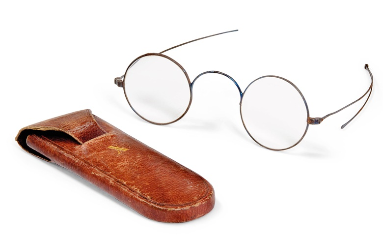 Arthur Wellesley, 1st Duke of Wellington (1795-1852), a pair of blued steel spectacles, first half 19th century. With round lenses and folding wire sides with arrow-shaped ends (one arm broken), with dark-red leather, gilt-tooled label to Interior, 'JONES 62 CHARING CROSS', an 'X' to each side, with manuscript memorandum in ink, 'These spectacles belonged to the Duke