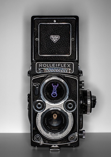 Bert Stern's (1929-2013) Rolleiflex camera. Stern's images of Marilyn Monroe, Marlon Brando and the Pyramids of Giza made him famous. In 1987, after spending a summer together cataloguing thousands of his photographs, Stern gave the camera to his son Bret. Photography Henry Leutwyler