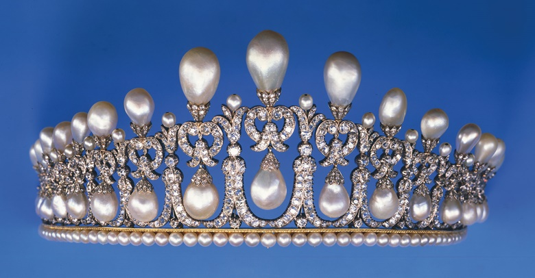 One of the six copies of the Cambridge Lover's Knot pearl and diamond tiara. Sold at Christie's Geneva on 14 November 1985