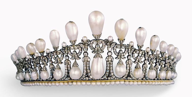 The Cambridge Lover's Knot tiara was created at the beginning of the 19th century, possibly in Germany, for Princess Augusta of Hesse Cassel, Duchess of Cambridge
