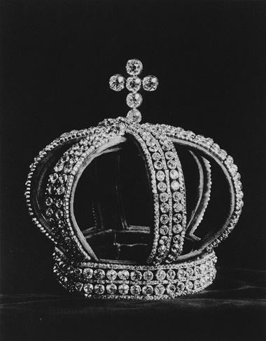 The diamond 'Nuptial' crown, from the Russian State Jewels. Sold at Christie's London on 16 March 1927