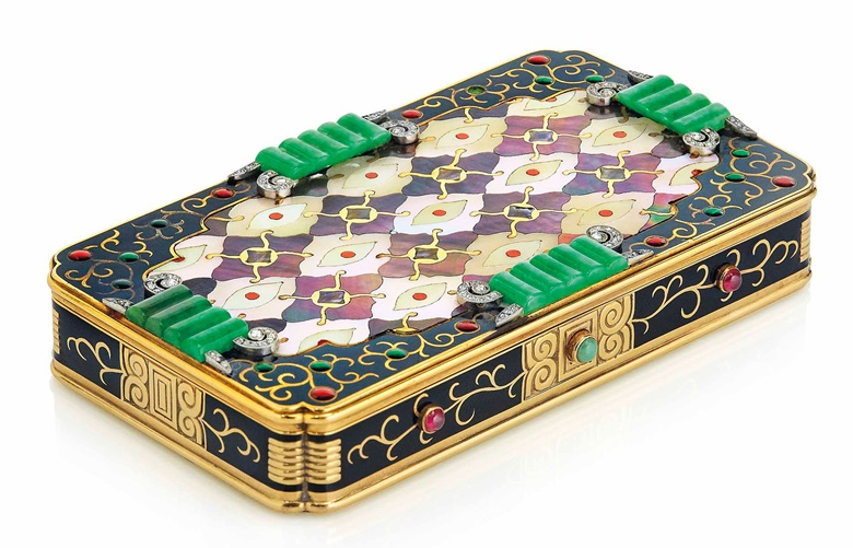 An Art Deco multi-gem vanity case, by Van Cleef & Arpels. Sold for CHF 275,000 on 13 November 2017 at Christie's in Geneva