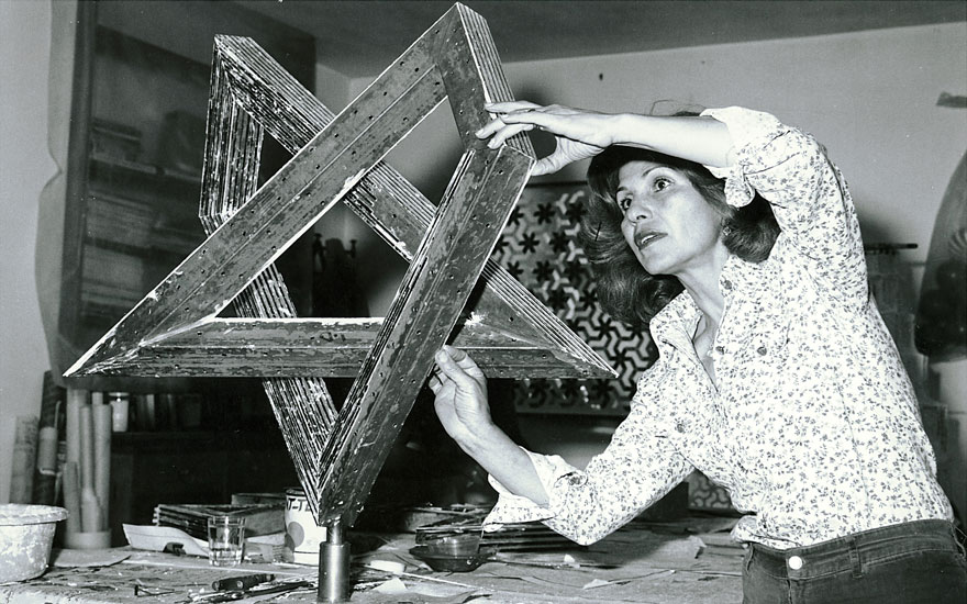 Monir Farmanfarmaian in her studio in Tehran, 1975. Photo courtesy of The Third Line, Dubai