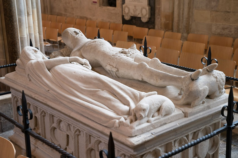 The tomb of Richard Fitzwilliam and his wife Eleanor. Photo courtesy Ash Mills and Chichester Cathedral