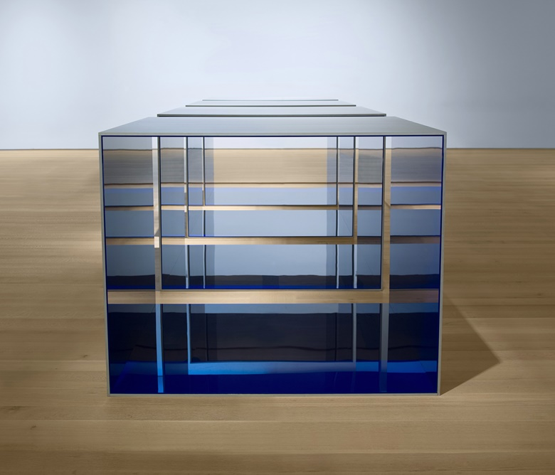 On show at Judd  at MoMA Donald Judd, Untitled, 1969. Clear anodised aluminium and blue plexiglas. Four units, each 48 × 60 × 60 in (121.9 × 152.4 × 152.4 cm), with 12 in (30.5 cm) intervals. Saint Louis Art Museum. Funds given by the Shoenberg Foundation, Inc. © 2020 Judd Foundation  Artists Rights Society (ARS), New York
